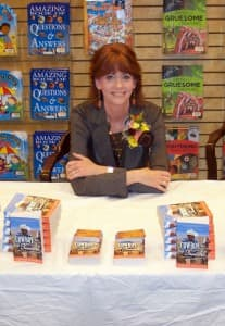 Joanne Kennedy signing copies of Cowboy Trouble
