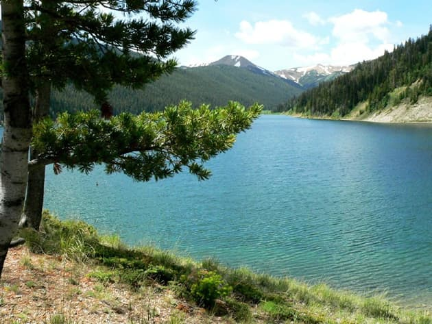 Middle Piney Lake on United States Forest Service land in the Wyoming Range. House Bill 228 would study transferring federal lands to the state of Wyoming. (USFS Photo)