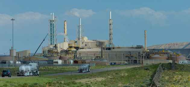Simplot's fertilizer plant dominates the skyline south of Rock Springs where the company plans to spend $350 million to build another factory that would turn natural gas into ammonia.(click to enlarge)