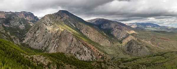 The view from 8000' looking over North and Middle Bennett Creek drainages on the Shoshone Forest near Clark. A strenuous hike but the vista is well worth the effort! (Photo courtesy of Kathy Lichtendahl member of the Open Range Images Fine Art Photography Gallery - click to enlarge)