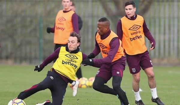 Patrice Evra Bersyukur West Ham Selamatkan Karirnya
