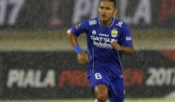 Persib Bandung Ambil Positif Mundurnya Liga 1 Indonesia Ungkap Zola