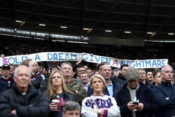 Permintaan Dari Mark Noble Bagi Para Fans West Ham United