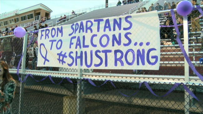 Boardman and Austintown football teams support student with cancer_55935
