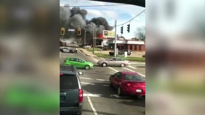 Fire damages Alliance car dealership_59832