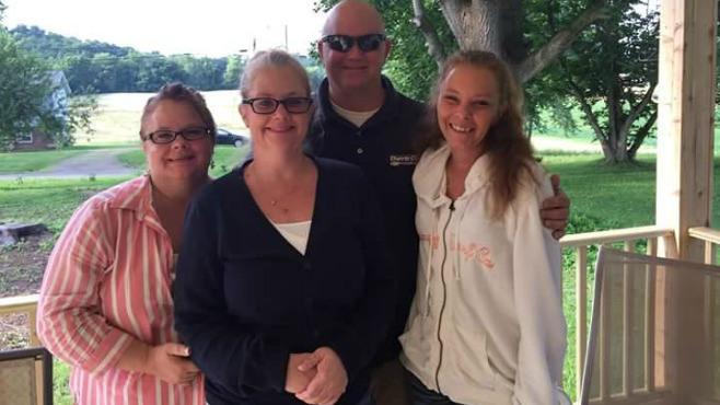 Akron plane crash leaves victims' families heartbroken_58279