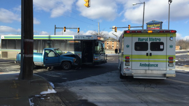 WRTA bus, pickup collide in Youngstown_64036
