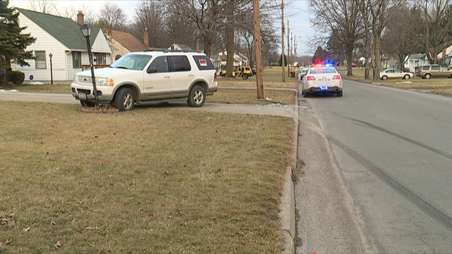 Baby sent to hospital after driver flees car accident scene_68415