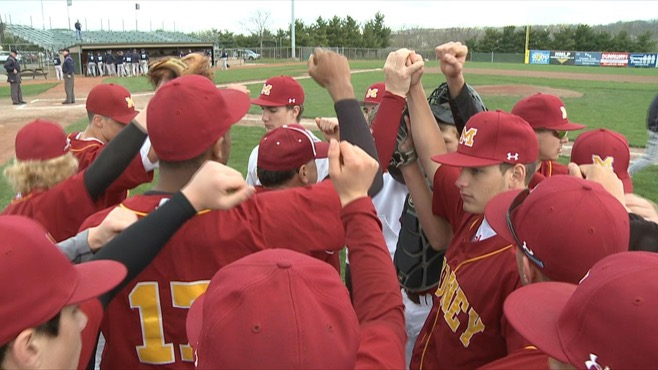 Mooney wins first two games in Catholic Tournament_75483