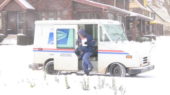 Cold weather postmen_103871