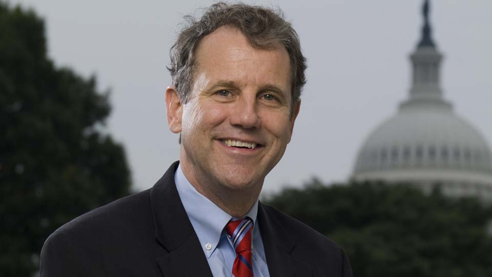 Official photo of Ohio Governor, Sherrod Brown.