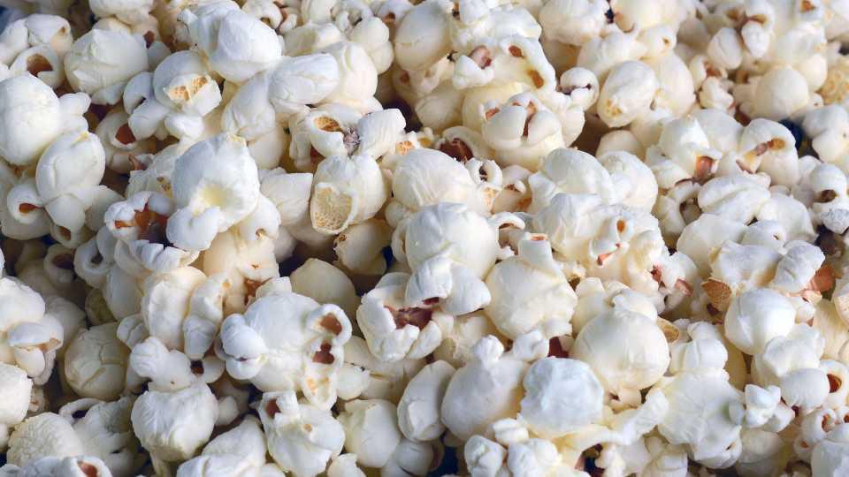 Popcorn, snacks generic