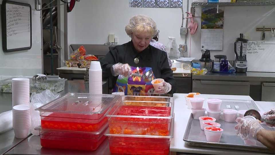 Trumbull Mobile Meals deliver meals to hundreds across Trumbull County
