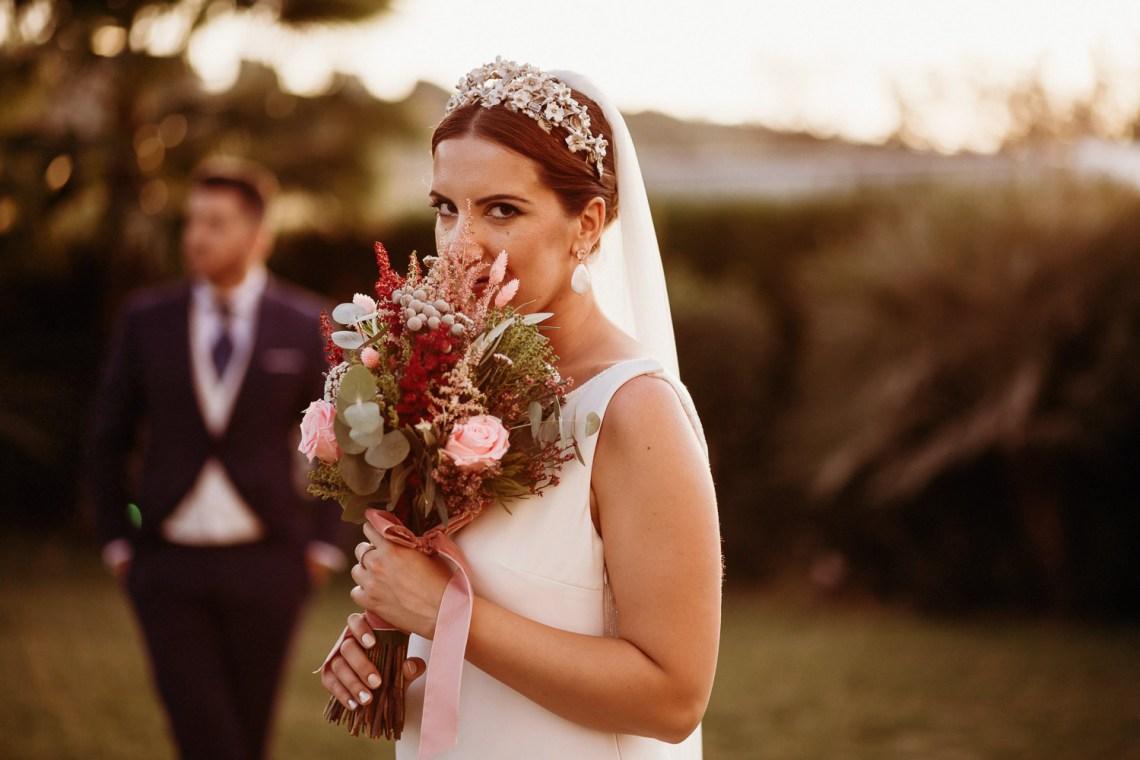 retrato de novia y ramo de novia