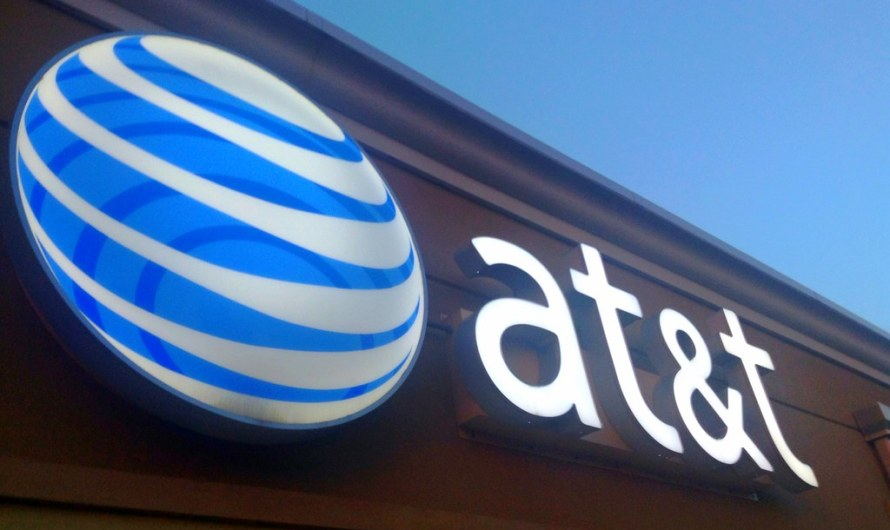 AT&T Ups Mobile Data Cap for Some Customers (and Charges an Extra $10 per Month without Notice)