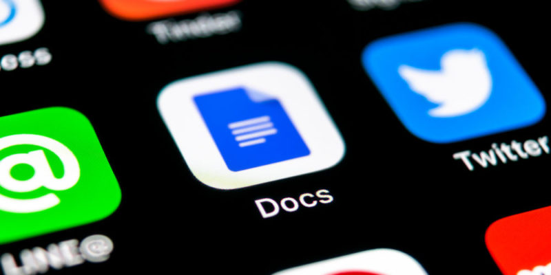 Google Brings Smart Compose to its Docs Mobile App (but Not Everyone can Use It)
