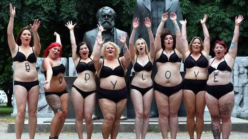 Παχύ μαύρες γυναίκες γυμνό