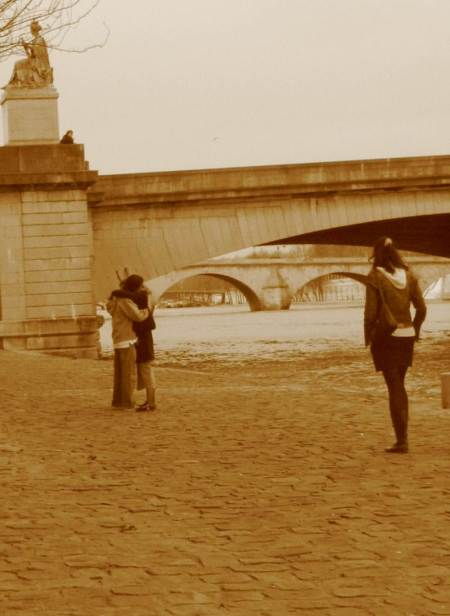 Paris City Photo - Sepia - A couple in love and a single girl on Les Quais de la Seine