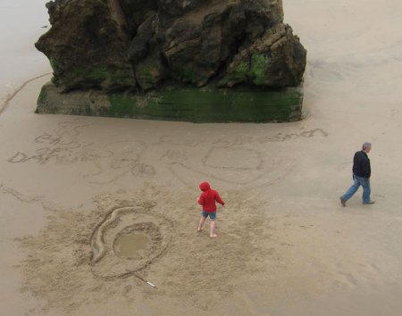Drawing in the SAND on Biarritz Playa