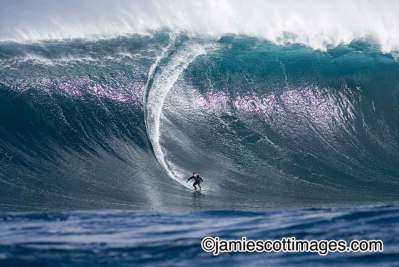 BIG BIG Wave Surfing