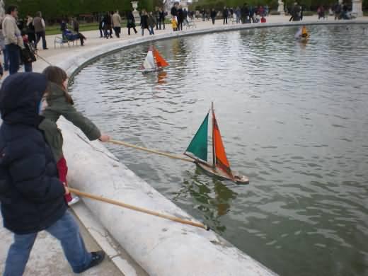 Bateaux Garden des Tuileries