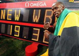 Usain Bolt wins 200 meter