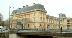 Architecture: à Rennes, la fac Pasteur joue le recyclage