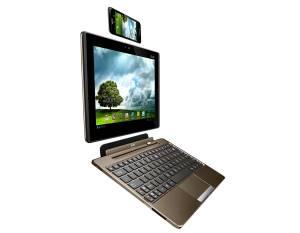L'Asus Padfone: smartphone, tablette et netbook. Qui dit mieux?