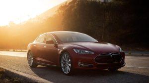 La voiture électrique Tesla Model S sera connectée par Orange en France.