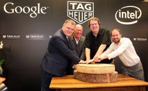 Jean-Claude Biver, PDG de TAG Heuer, en compagnie de pontes d'Intel et de Google.