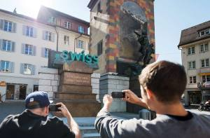 Les premières adresses en «.swiss» débarquent: voici «jelmoli.swiss», «rogerfederrer.swiss»…