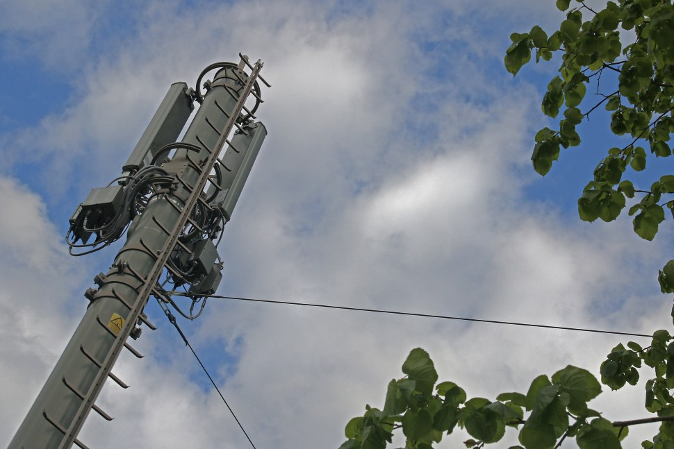 Salt, Swisscom et Sunrise communiquent beaucoup sur leur réseau mobile...