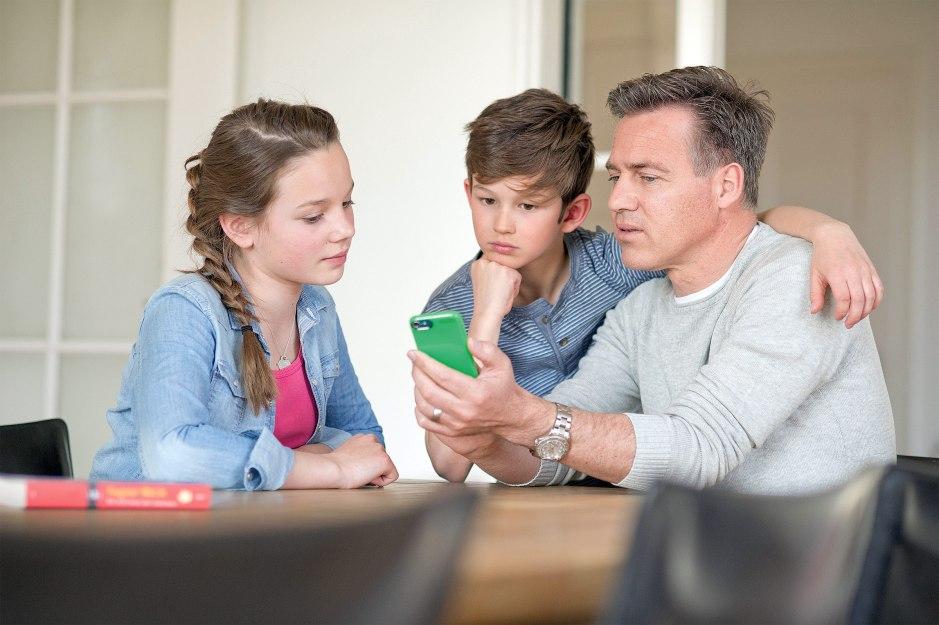 Swisscom lance inOne Mobile Prepaid pour les familles.