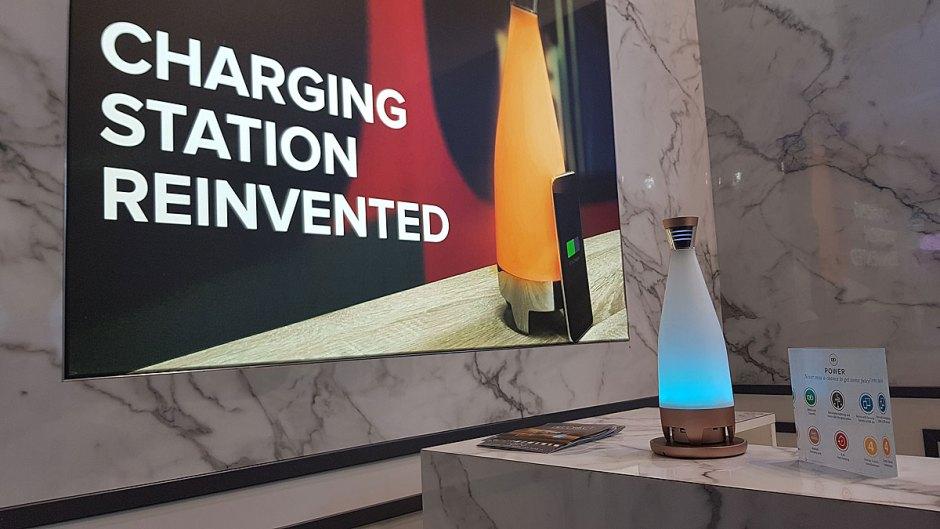 DEconect: une solution de recharge pour smartphones 100% sans fil grâce à la norme Qi.