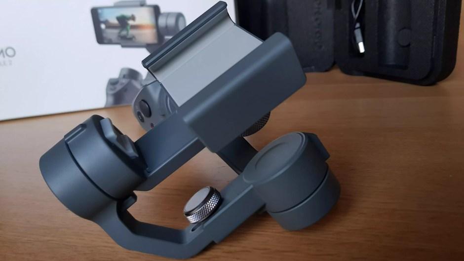 Dji Osmo Mobile 2: à utiliser verticalement ou horizontalement.