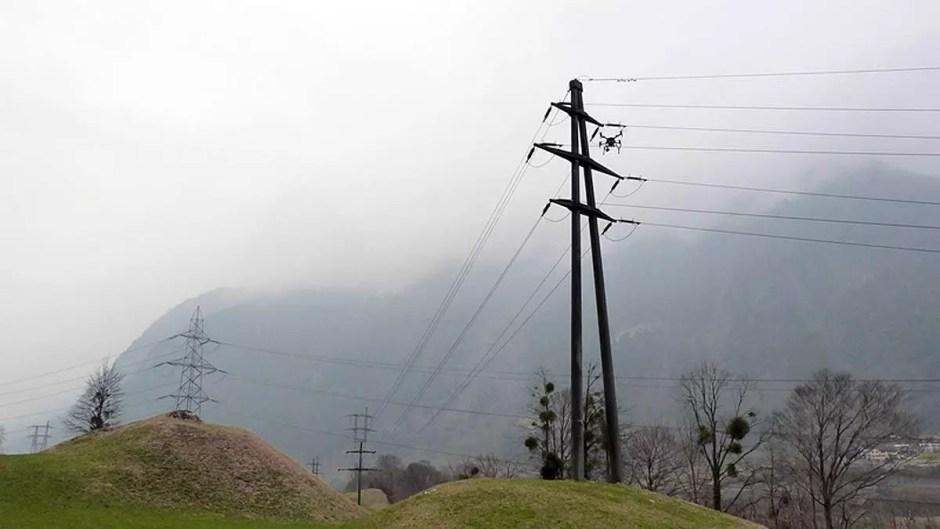 Alpiq utilise des drones pour surveiller le réseau électrique.