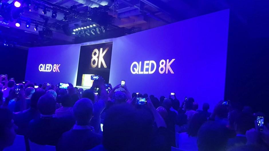 Samsung s'aventure déjà commercialement sur le marché futuriste de la 8K...