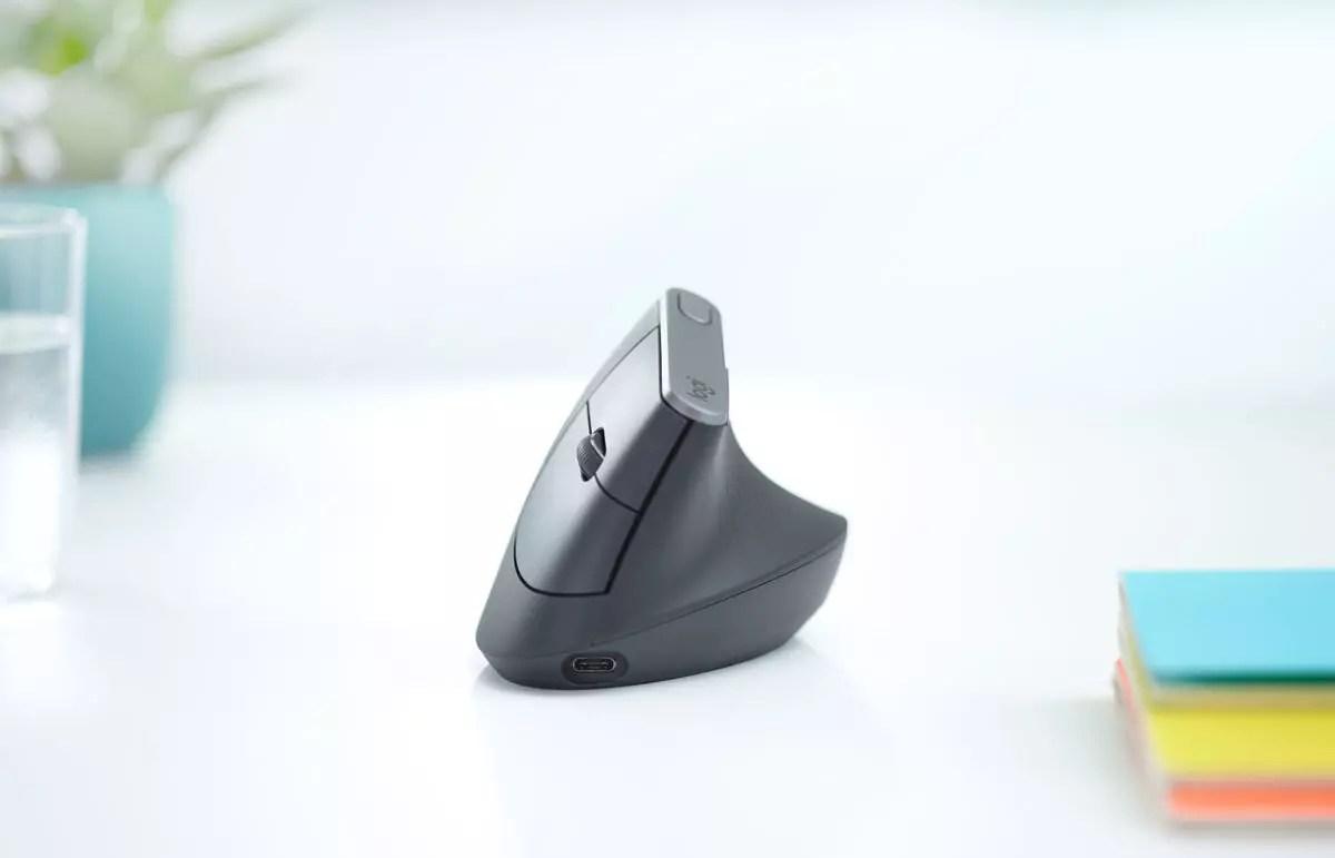 L'ergonomique Logitech MX Vertical.