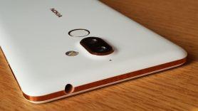 Nokia 7 Plus avec une prise mini jack.