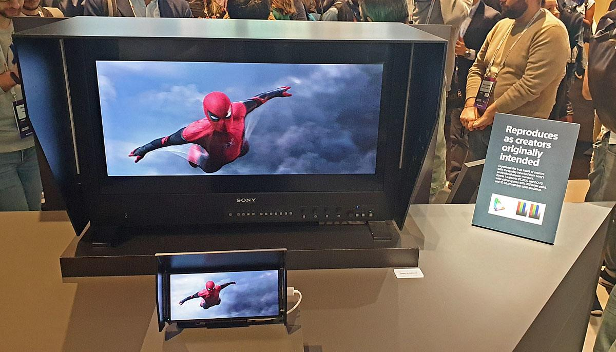 Sony compare l'écran de son Xperia 1 à ses écrans OLED pro, en 10 bits...