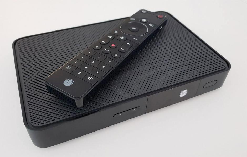 L'UPC TV Box et sa télécommande.