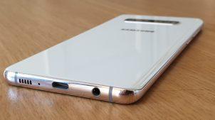 Samsung Galaxy S10+ : la finition blanche en céramique.