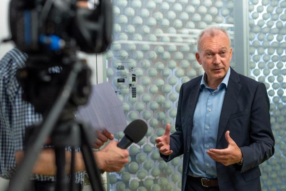«Vu le contexte difficile, le résultat du premier semestre est d'autant plus remarquable », déclare Urs Schaeppi, CEO de Swisscom.