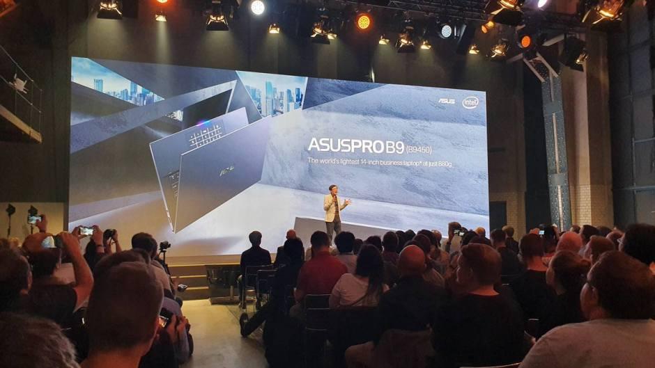 L'AsusProB9 de 14 pouces ne pèse que 880 grammes.