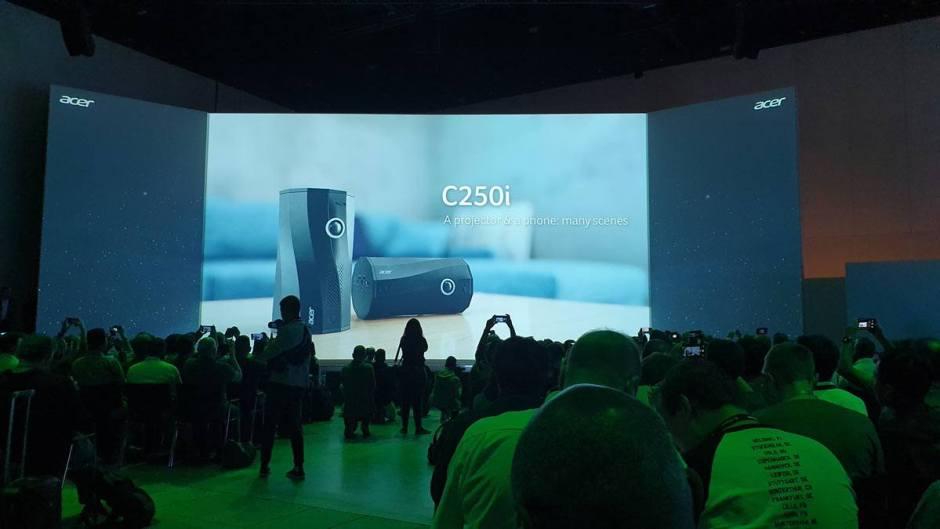 L'Acer 250i: un micro-projecteur portrait et paysage, également enceinte audio.