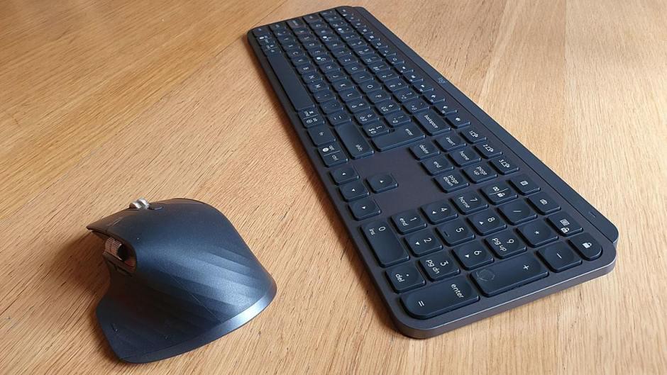 La souris Logi MX Master 3 et le clavier Logi MX Keys.