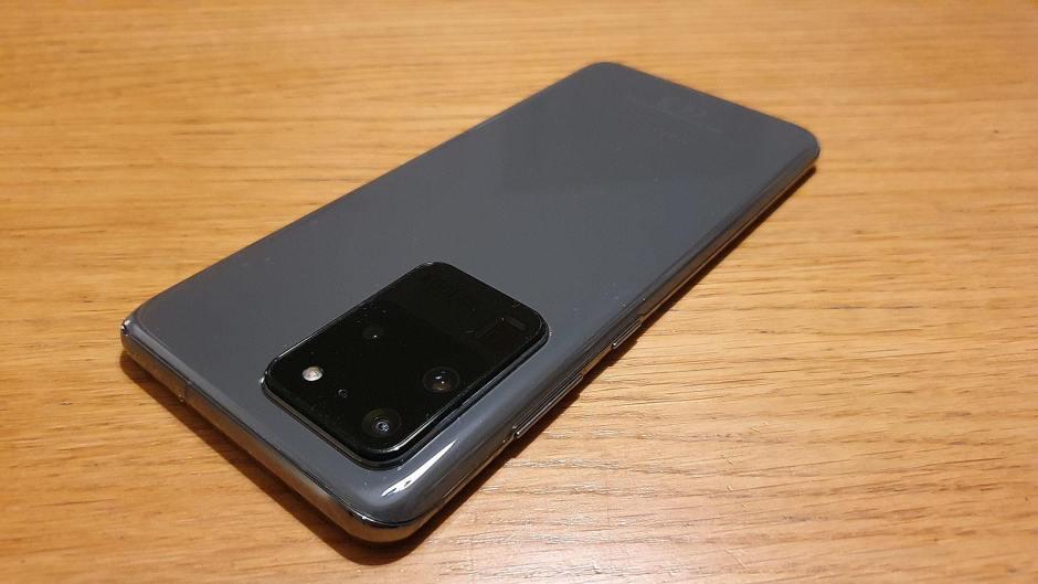 Mise à jour de taille pour le Samsung Galaxy S20 Ultra 5G.