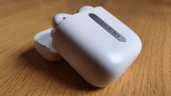 Oppo Enco Free: des écouteurs très inspirés d'Apple.