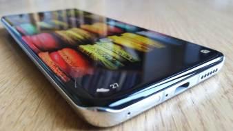 Le Huawei P40 Pro pour son design.