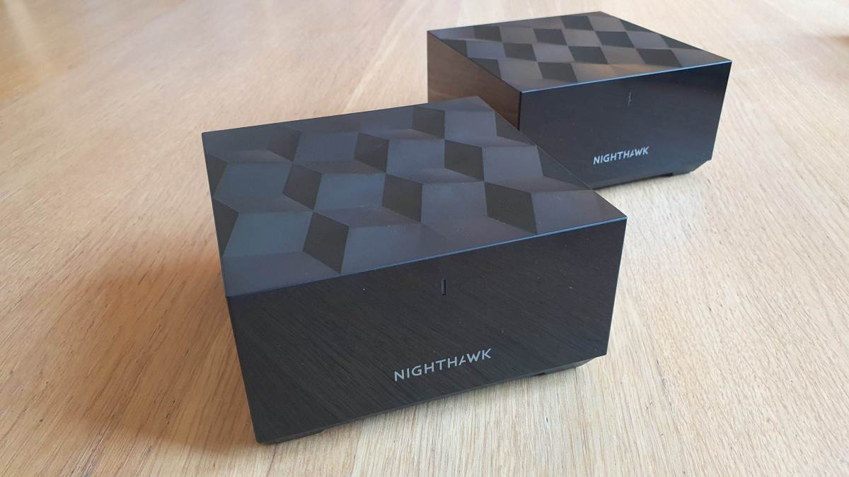 Le très design Netgear Nighthawk Mesh MK62.